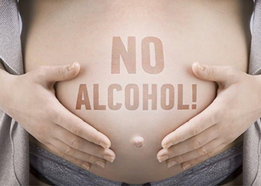 Αλκοόλ στην εγκυμοσύνη: επιτρέπεται;